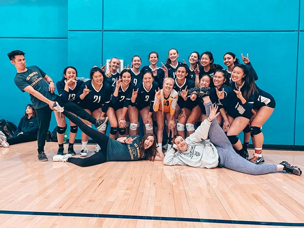 UCI Campus Recreation - Anteater Club Sports: Women's Volleyball Picture